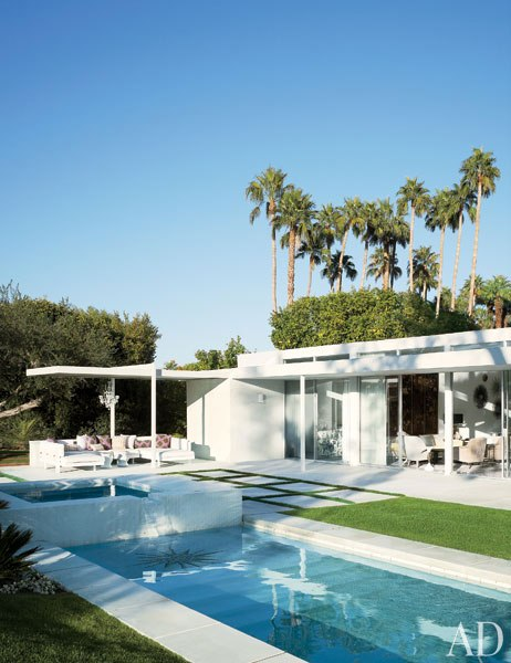 item13.rendition.slideshowVertical.emily-summers-palm-springs-home-14-pool