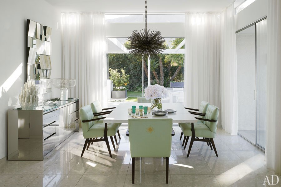 item6.rendition.slideshowHorizontal.emily-summers-palm-springs-home-07-dining-room