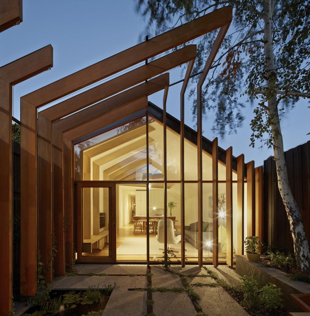 530ac660c07a80a2760001d9_cross-stitch-house-fmd-architects_fmd_cross-stitch_-1-